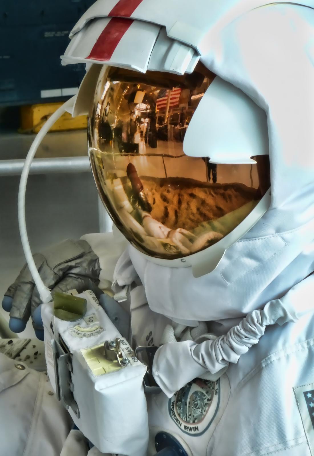 replica nasa apollo space suit - photo #31