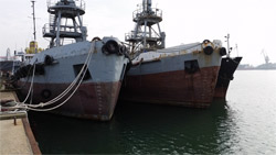 Ship tanker for scrap 860 t {1971, MT=860, DWT=1560t/Draft=1.60/4.50m} for Sale in AUCTION.TAMPERS.EU