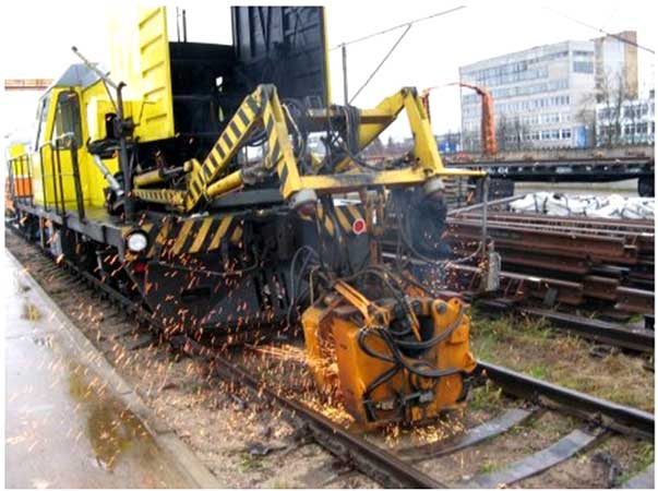 REBUILT 2013* year Self-propelled Rail-Welding Machine PRMS-4